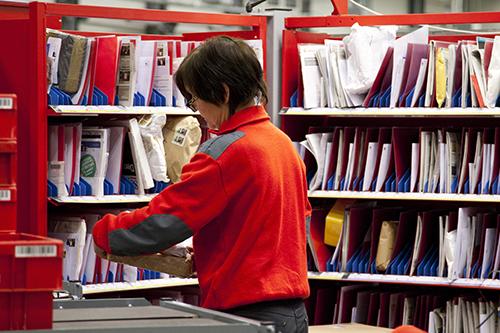 Kredittkort? Kjøp hos Posten regnes som kontantuttak. Foto: Håvard Jørstad