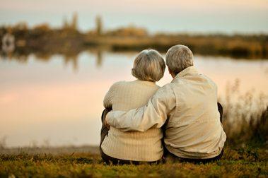 Forsikring for eldre: Nærmer du deg 70 risikerer du å miste flere av godene i forsikringspolisen. Disse forsikringene holder deg dekt, uansett alder.