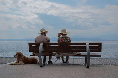 Dagens eldre er mer reiseglade enn noen gang før. Likevel forsvinner reiseforsikringens gyldighet ved en viss alder hos de fleste store forsikringsselskapene.