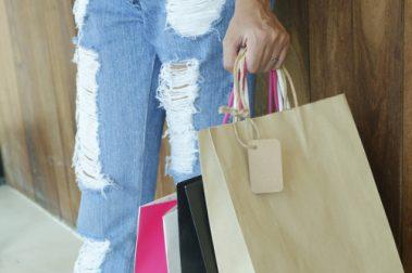 Kredittkort med rabatter og fordeler er det mange av, men hva slags rabatter har de ulike kortene?