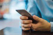 Apple Pay kommer nå til Norge. I denne artikkelen forklarer vi hvordan den digitale lommeboken fungerer.
